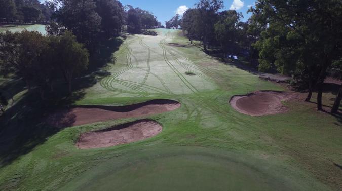 nomads_golf_day_wet_grass